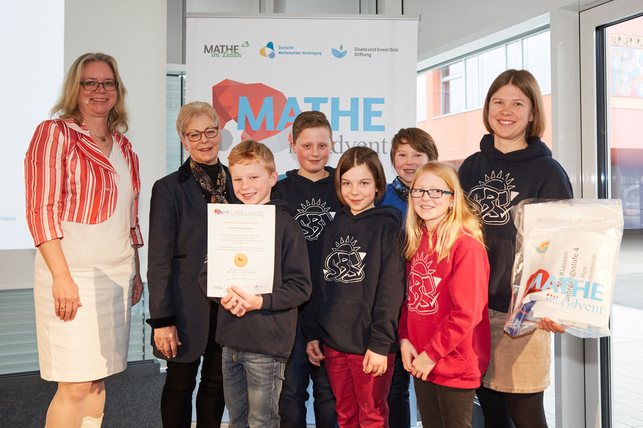 Mathe-im-Advent-Sommerbergschule-Lenzkirch-Kl4a-Eulenklasse-Platz3-Beste-Klasse-Jahrgangsstufe-4